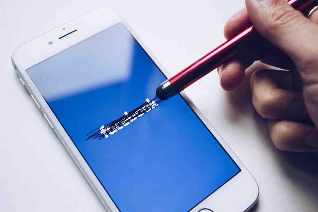 Comment savoir si une personne se connecte sur Facebook ?